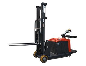倉儲叉車/全電動平衡重堆高車(站駕式)